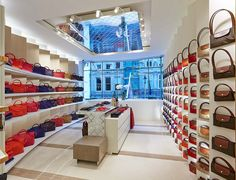 "The 300 square-meter, 3-level London flagship store for Longchamp is situated on one of Europe's most established luxury shopping thoroughfares. The project was conceived as a fusion of the embodiment of the French Lonchamp brand and the prestige of New Bond Street in central London. The spatial concept, inspired by the famous folding ""pliage"" bags, lines the interior walls with folding screens fabricated with materials and colors corresponding different collections of handbags, clothing…"