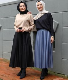 Muslim Women Fashion, Korean Girl Fashion, Modest Fashion, Skirt Fashion, Hijab Fashion, Fashion Outfits, Style Fashion, Hijab Style Tutorial, Pleated Skirt Outfit
