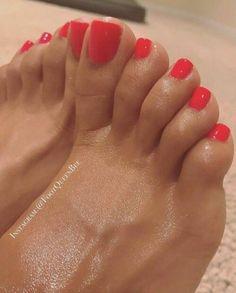 I love women's feet! Pretty Toe Nails, Sexy Nails, Sexy Toes, Pretty Toes, Red Toenails, Long Toenails, Feet Soles, Women's Feet, Red Pedicure