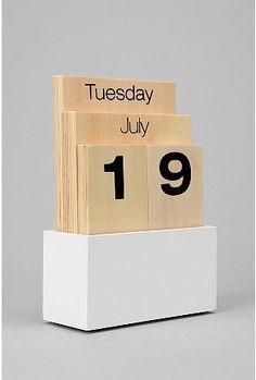 wood shuffle calendar - urban outfitters