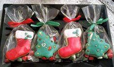 Εύκολα χριστουγεννιάτικα μπισκότα, ιδανικά για κέρασμα ή δώρο στους αγαπημένους μας. Συνταγή για μπισκότα χωρίς γάλα, με αυγό, άρωμα βανίλιας και βούτυρο. Christmas Stockings, Christmas Ornaments, Christmas Sweets, Cool Stuff, Holiday Decor, Needlepoint Christmas Stockings, Christmas Jewelry, Christmas Leggings, Christmas Decorations