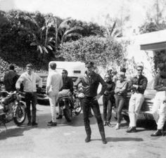 List of all Motorbikes Owned by Elvis Presley Elvis Presley House, Elvis Presley Photos, Lisa Marie Presley, Priscilla Presley, Memphis Mafia, Elvis Quotes, Classic Harley Davidson, Family Photo Album, Life Pictures