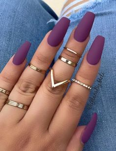 You've probably noticed a movement toward bare-ish nails lately. (Call it the anti-nail art, if you will.) The 2 of the biggest nail trends to emerge from the Spring/ Summer 2018 runway shows are the graphic art and matte metallic nails. Summer Acrylic Nails, Best Acrylic Nails, Acrylic Nail Designs, Summer Nails, Spring Nails, Purple Nail Designs, Fall Nails, Classy Nail Art, Coffin Nails Matte