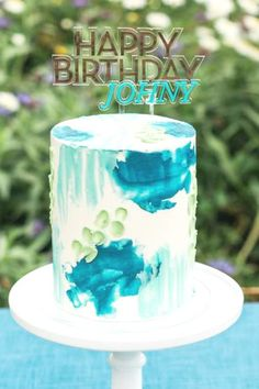 Don't miss this stunning post-pandemic garden party! The cake is amazing! See more party ideas and share yours at CatchMyParty.com #catchmyparty #partyideas #gardenparty #postpandemicparty #cake