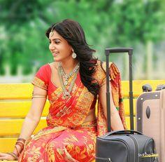Samantha In Saree, Samantha Ruth, Bollywood Lehenga, Saree Poses, Samantha Photos, Team Bride, Wedding Trends, Maid Of Honor, Indian Actresses