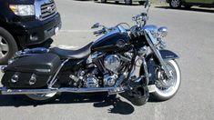 harley road king single with hard bags | Road King Classic Leather Saddlebags 0-2011-08-13_11-25-22_481.jpg #harleydavidsonbaggerroadking