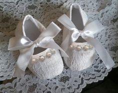 Bambino fuori le scarpe in pizzo bianco / avorio di MimisTinyFeet