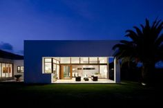 10 Fascinating Contemporary Houses That Abound With Elegance and Refinement - T&M