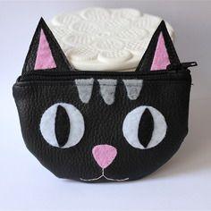Porte-monnaie chat en simili cuir noir et feutrine