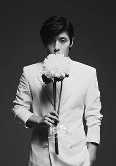 Kang Ha Neul for Ize magazine July Issue Lee Jin Wook, Choi Jin Hyuk, Hot Korean Guys, Korean Men, Korean Wave, Korean Star, Asian Actors, Korean Actors, You Are Beautiful