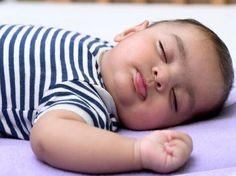Con 4 sencillos pasos tu bebé se acostumbrará a dormir por las noches