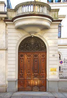 Portoni di Torino: corso Vittorio Emanuele 97
