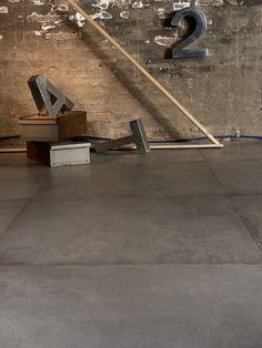 Set for Leonardo ceramic #thelightline #styling #interior #ceramic #leonardoceramica #concrete @davide