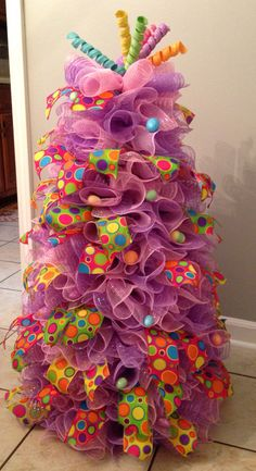 Deco Mesh Easter Tree made with 36 inch tomato cage