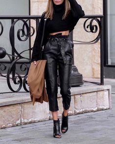 Legging Outfits, Leggings Fashion, Leather Pants Outfit, Black Leather Pants, Lederhosen Outfit, Street Style Outfits, Trendy Outfits, Fashion Outfits, Style Blogger