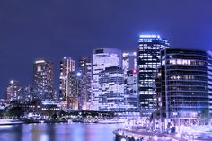 if you know me you know that i absolutely LOVE the city at night and this ,to me, is just amazing !