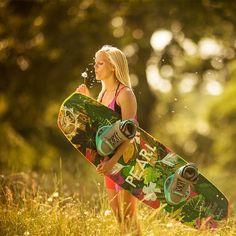 Für girls die shredden. Das neue Slingshot Pearl 2015. Jetzt bei uns erhältlich. #girlpower #funyourlife #wakeboarding #slingshot #firstinflex #funsportde #berlin #findyourflex