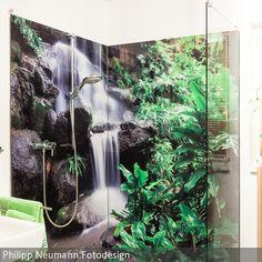 Unsere individuell gestaltbaren Duschrückwände mit Digitaldruck bringen frischen Wind ins Badezimmer. Wir fertigen die gesamte Duschrückwand aus Glas nach…