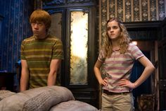 siempre ame a Hermione es un ejemplo en mucho. Y Ron definitivamente se volvio mi crush  en la peli de la Orden del fenix en adelante