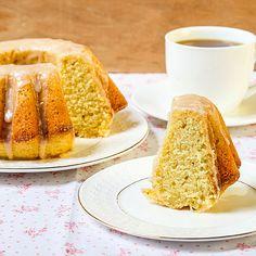 JESENJI KOLAČ: Još jedan recept u kojem je glavni sastojak - bundeva Fast Low Carb, Cinnamon Cake, Yogurt Recipes, Food And Drink, Cooking Recipes, Baking, Breakfast, Ethnic Recipes, Bundt Cakes