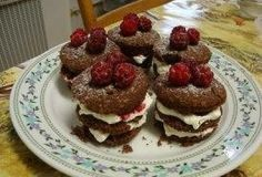 Čokoládové mini dorty Pancakes, Breakfast, Food, Morning Coffee, Essen, Pancake, Meals, Yemek, Eten