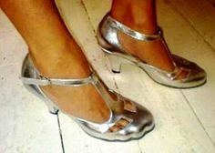 for my GREY ENVY !! my GLITTER ones !  VIVIENNE WESTWOOD T-BAR SHOES (avec doigts de pied 'moulés')