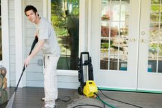 If you need a pressure washing service contractor near Apopka, FL, do not hesitate to call Krazi Kleen Pressure Cleaning at (407) 587-0032. Make the right move by choosing our professionals.