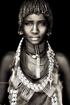 Ethiopia - East/West & Omo Beautiful Photography by John Kenny taken with Africa's remotest tribes. Fine art prints in black and white, also colour, are available to buy in signed, limited editions. Facing Africa: the book is out now John Kenny, Foto Portrait, Portrait Photography, Photography Gallery, Inspiring Photography, Stunning Photography, Photography Women, African Beauty, African Women