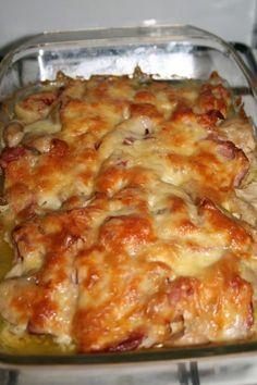 Pui surpriza No Calorie Foods, I Foods, Good Food, Yummy Food, Romanian Food, Romanian Recipes, Casserole Recipes, Great Recipes, Food To Make
