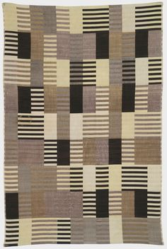 Anni Albers, wall hanging, silk, 1926 (2007 The Josef and Anni Albers Foundation / Artists Rights Society (ARS), New York).