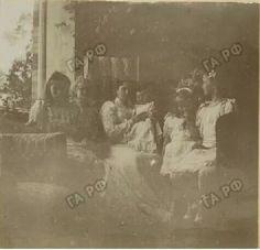 Empress Alexandra holding Alexei and surrounded by her daughters, Olga, Tatiana, Maria, and Anastasia, the Lower Dacha, Peterhof, c.1904. #theromanovs