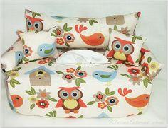 Eulen Blumen und Vögel auf Kosmetikboxbezug  Couch von KleineSterne