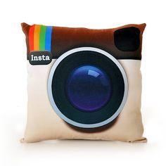 Decoração Criativa...Pillow SNAP! #pillow #camera #Instacamera