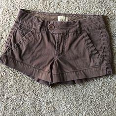 BKE Twill shorts Twill shorts. 3 inch inseam. Gently worn, great condition. No trades BKE Shorts