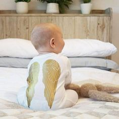 Baby Angel Wings, Angel Wings Costume, Gold Angel Wings, Christmas Baby, Christmas Angels, Angel Baby Shower, Wings Design, Cute Outfits For Kids, Newborn Gifts