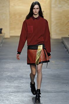 Short pattern skirt with sweater