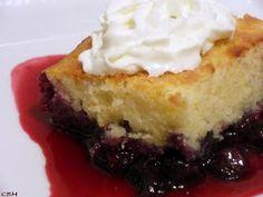 Dans la cuisine de Blanc-manger: Gâteau-pouding aux bleuets Delicious Desserts, Dessert Recipes, Dessert Ideas, Bon Dessert, Cake Bars, Blueberry Recipes, Pound Cake, Custard, Deserts