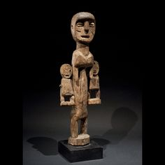 Culture Adan - Ewe, Ghana. Bois et clous. H.44cm  http://galerie-latelier.com/objets-art-africain/statue-adan-ewe/