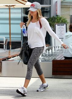 celebrity workout style - Google Search Celebrity Workout Style, Ashley Tisdale, Workout Gear, Fitness Fashion, Healthy Life, Sporty, Celebrities, Outfits, Clothes