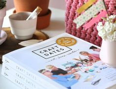 Boek Craft Dates E Craft, Beach Blanket, Needlework, Blog, Place Card Holders, Mini, Popular, Tricot, Pattern Books