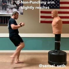 Boxing Training Workout, Karate Training, Mma Workout, Kickboxing Workout, Gym Workout Tips, Studio Workouts, Martial Arts Moves, Self Defense Martial Arts, Martial Arts Workout