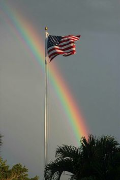 GOD's beautiful rainbow and the USA flag: doesn't get much better than this! His rainbow is a covenant. I Love America, God Bless America, America America, Patriotic Pictures, Patriotic Quotes, Patriotic Flags, Patriotic Symbols, Independance Day, Home Of The Brave