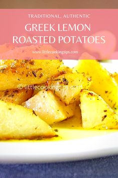 This is the authentic recipe for the Greek lemon garlic oven roasted potatoes. Its an easy and healthy dish, perfect for Greek Roasted Potatoes, Greek Lemon Potatoes, Potato Dishes, Vegetable Dishes, Vegetable Drinks, Side Dishes For Fish, Greek Side Dishes, Greek Dinners, Vegetarian Recipes
