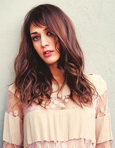 Lizzy Caplan. I would like to live my life so that she could portray me in a biopic ;) She could pass for a SG nowadays, but when you see her in Mean Girls or Freaks and Geeks, it's easy to see she's a Soft Natural... She is some kind of Summer - maybe soft summer?