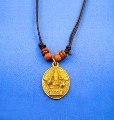【仏像ネックレス(ガネーシャ)平面】インドで一番人気のある神様「ガネーシャ」の立体ネックレスです。象の頭を持つヒンズー教の神様。「学問・富・商売の神様」そして、「幸運の神様」と言われています。商品ページ→ http://kaiun.shops.net/item?itemid=21527