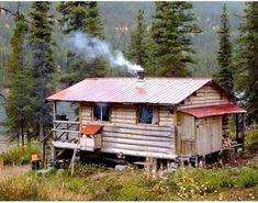 Tiny Cabins, Tiny House Cabin, Log Cabin Homes, Cabins And Cottages, Log Cabins, Alaska Homestead, Building A Small House, Off Grid Cabin, Cabin In The Woods