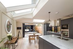 Bespoke London based property developers producing high end residential projects Bright Kitchens, Home Kitchens, House Extension Design, House Design, Bathroom Design Small, Kitchen Design, Kitchen Ideas, Victorian Terrace Interior, One Storey House