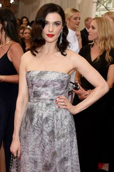The 23 most unforgettable beauty looks from the Met Gala 2015 red carpet–Rachel Weisz.