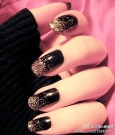 Cool Black and Glitter Fingernails.