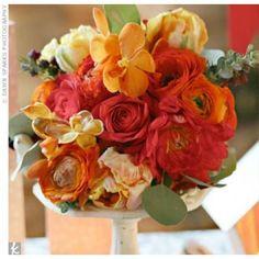 01152012 – Orange Bridesmaid Bouquets